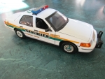 1/18 Broward County Sheriff FL White Ford Crown Victoria with Flashing Lightbar & Siren